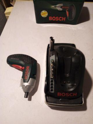 atornilladora de batería marca Bosch