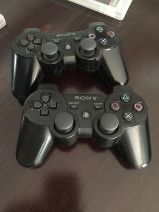 Consola PS3 + mandos + 11 juegos