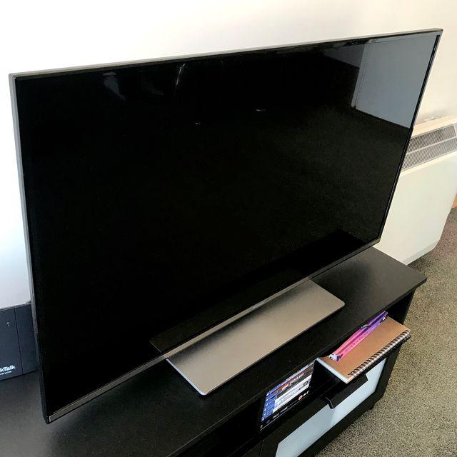 "43"" Panasonic LED Smart TV"