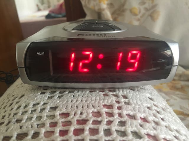 Radio con reloj