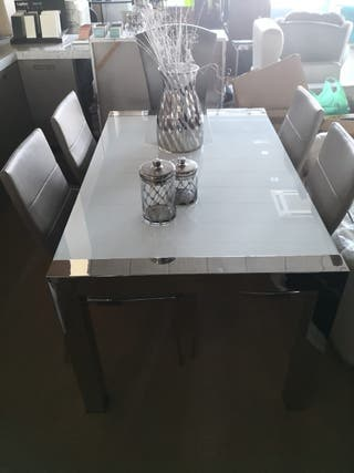 mesa inoxidable extensible + 4 sillas