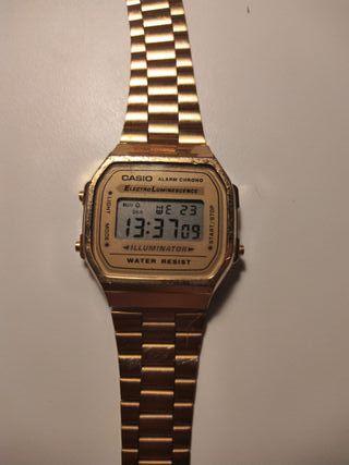 Reloj Casio dorado de segunda mano en la provincia de