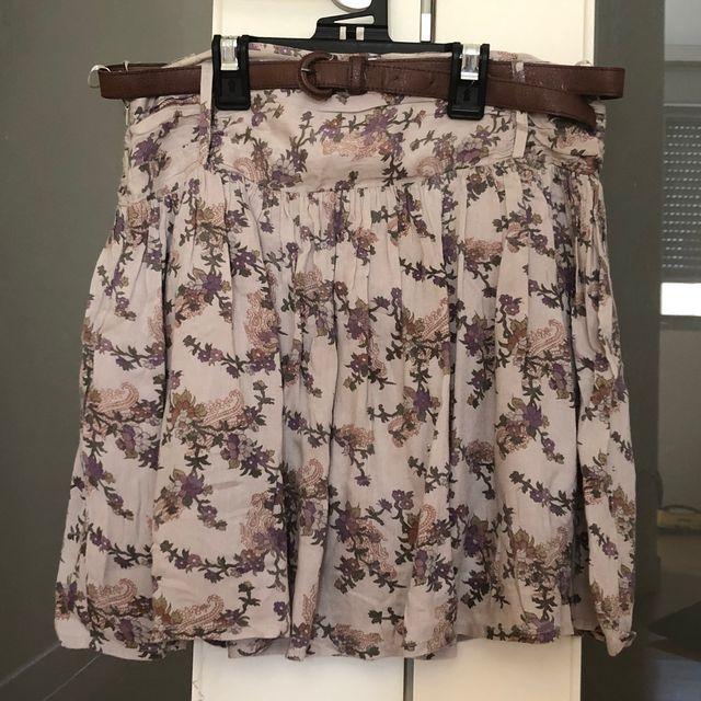Falda de flores con cinturon