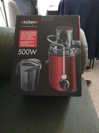 Licuadora kuken, contenedor con jarra de plástico