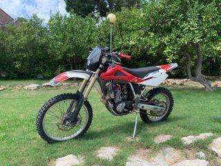 Moto Enduro Husqvarna 250cc 4t