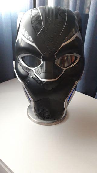 Casco Black Panther.