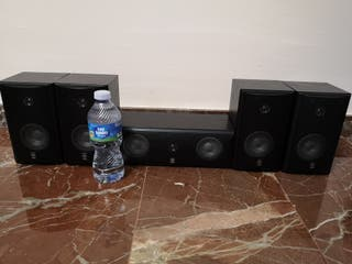 5 altavoces Yamaha