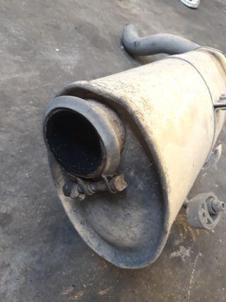 silenciador tubo de escape coche