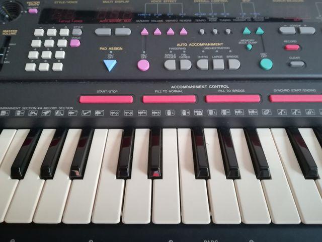 Teclado Yamaha Portasound PSS-790