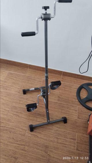 Pedalier ejercitador de brazos y piernas