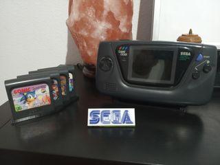 Consola de Sega Game Gear para exposición