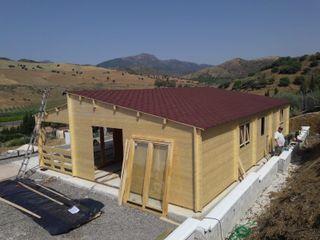 Casas de madera en venta. Montadas y barnizadas en destino