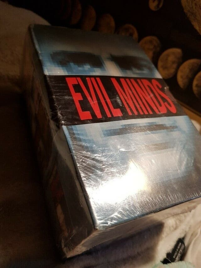 EVIL MINDS, set of 5 books in the box, NEW