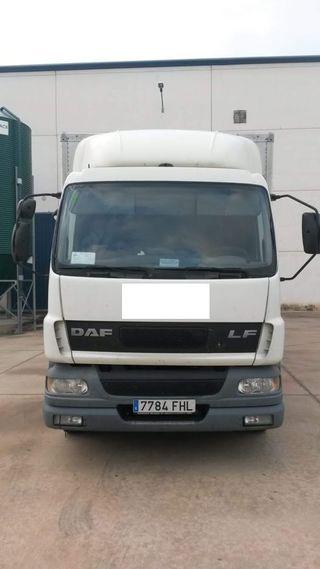 Camión DAF 55LF250