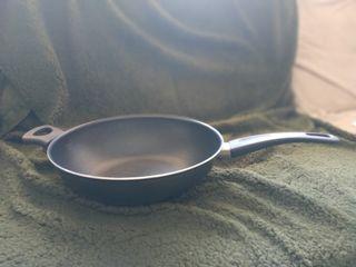 Sartén wok sin usar