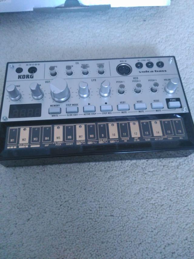Korg Volca Bass (Sintetizador)