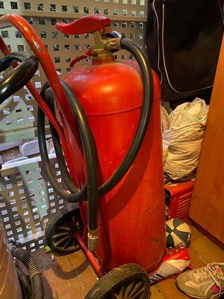 Extintor de polvo y gas