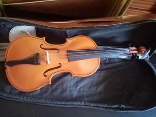 violin antonius estrativarius