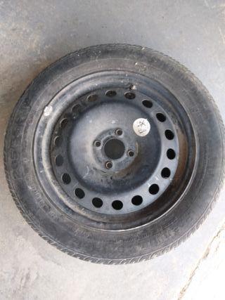 pneumático con llanta