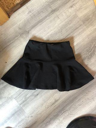 Falda negra de vuelo inside