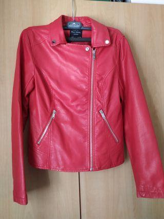 chaqueta. roja talla 38