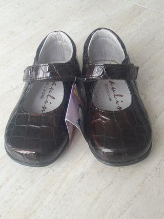 Zapatos niña talla 22 nuevos