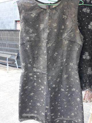 Vestido gris de verano