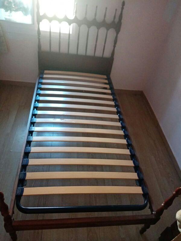 vendo cama con colchón de 90x190
