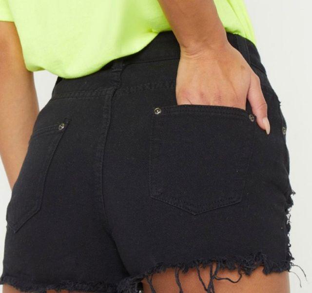 Black size 4 plt hem new shorts !
