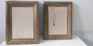 Expositor de pendientes madera 5€