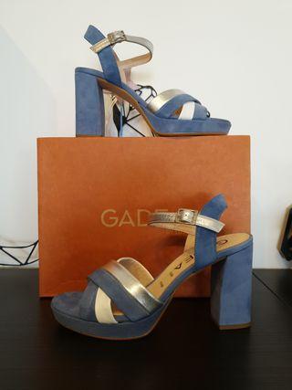Sandalias Gadea talla 40 azul con plata