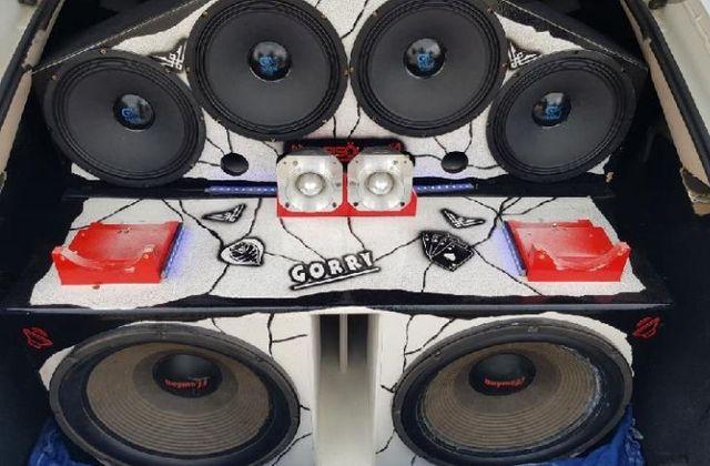 Montaje de equipos de musica