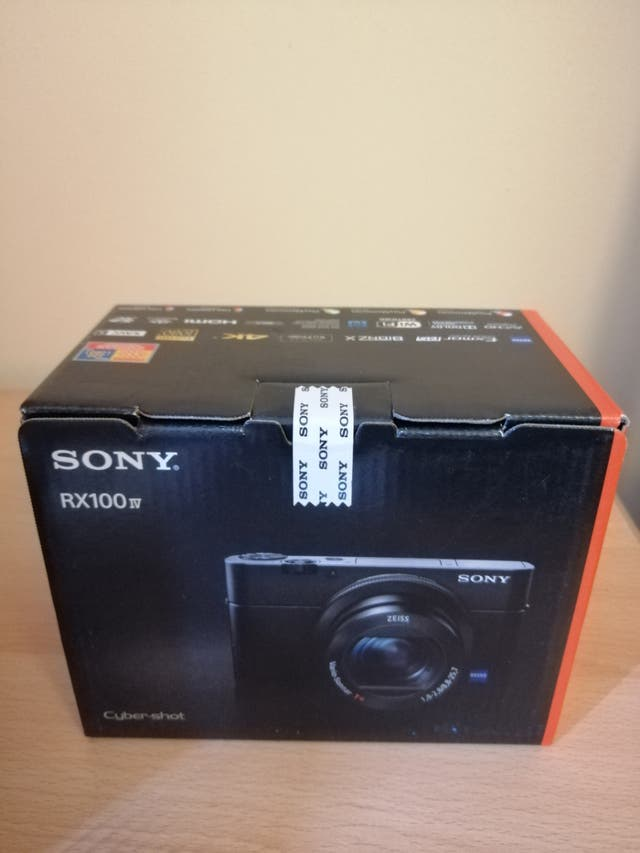 SONY Cyber-shot DSC-RX100 IV High Performance