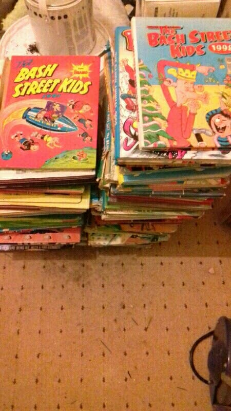 hi joblot of books and comics