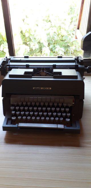 Máquina de escribir Hispano Olivetti 98