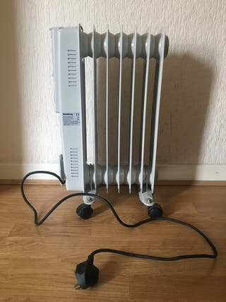 Oil filled portable radiator heater