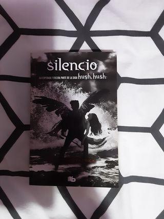 Silencio (Hush Hush 3)