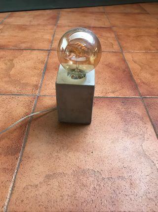 Lámpara industrial y moderna