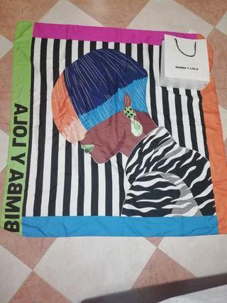 pañuelo Bimba & Lola, nuevo con etiquetas.