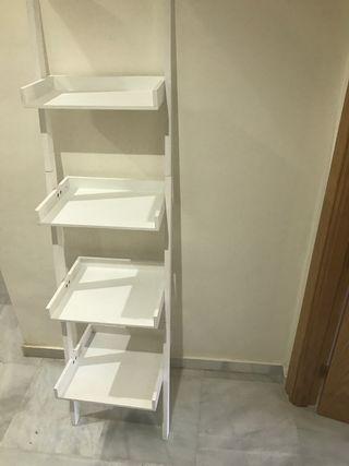 Estantería escalera blanca