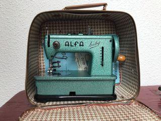 Máquina de coser Alfa Baby