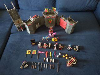 Castillo maletín y torre de asalto de Playmobil