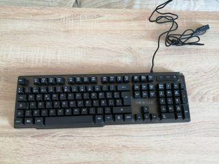 ratón, teclado y cascos