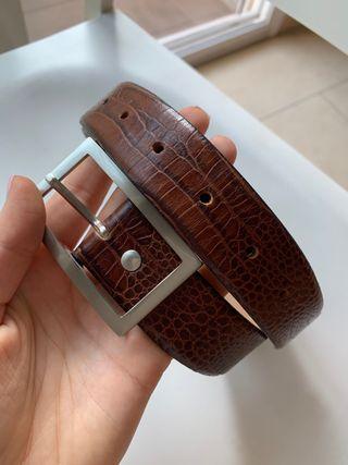 Cinturón hombre Zara piel
