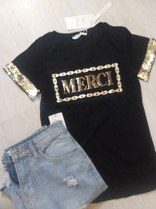 falda y camiseta