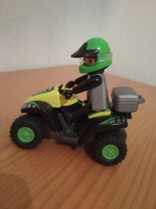 Playmobil quad de carreras.