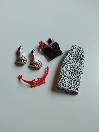 lote Monster High ropa