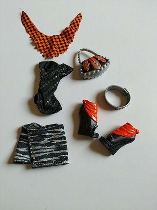 Monster High ropa y accesorios