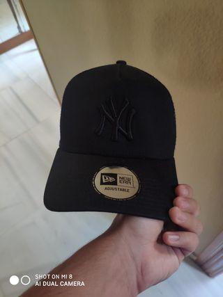 Gorra Yankees New Era Negra verdadera.