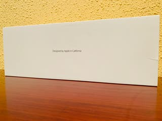 Caja de Teclado Magic Keyboard 2 de Apple